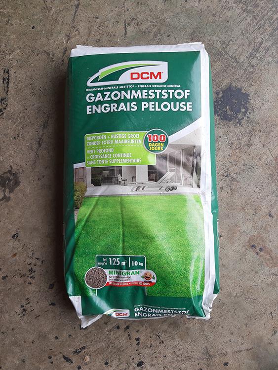John-Schmitz-Hoveniers-Assen-grond-aarde-meststoffen-en-zand-Gazon-meststof 01
