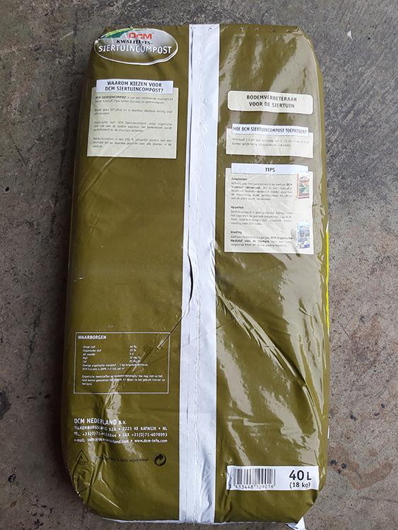 John-Schmitz-Hoveniers-Assen-grond-aarde-meststoffen-en-zand-Siertuincompost 02